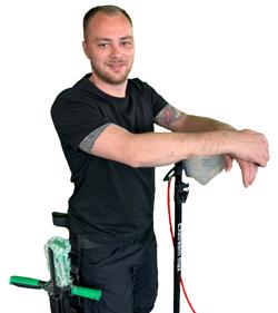 Joey Latumalea, uw partner voor de schoonmaakdiensten